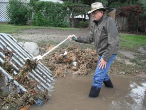 STORM-DRAIN-CLEAN-UP-TOOL